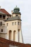 Peça da parede da defesa no monte de Wawel em Krakow, Polônia Fotos de Stock