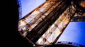 Peça da torre do eifel de Paris, artshot na noite fotos de stock