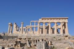 Templo antigo grego - Aphaia - Aegina fotografia de stock