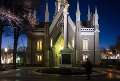 Peça do templo de Salt Lake City na noite fotos de stock