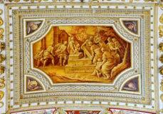 Peça do teto da galeria nos museus do Vaticano Imagens de Stock