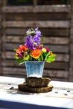 Peças centrais florais do copo de água Fotografia de Stock