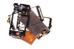 Peças de smartphones quebrados danificados foto de stock royalty free
