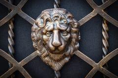 Peças decorativas das portas do metal, elementos do forjamento da mão foto de stock royalty free