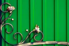 Peças decorativas das portas do metal, elementos do forjamento da mão fotos de stock