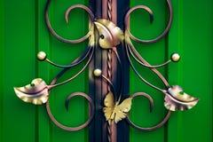Peças decorativas das portas do metal, elementos do forjamento da mão imagens de stock
