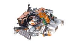 peças sobresselentes compactas quebradas da câmara digital isoladas no branco Foto de Stock