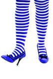 Peúgas do ajudante de Santa e um dedo do pé acima do azul Imagens de Stock Royalty Free