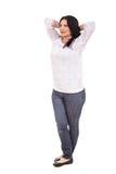 Pełna długość zrelaksowana kobieta Zdjęcie Stock