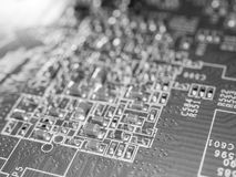 Pełna ostrość obwodu deska z mikroukładami i innymi elektronicznymi składnikami Komputeru i networking technologia komunikacyjna Obraz Royalty Free