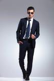 Pełny długość obrazek elegancki biznesowy mężczyzna zdjęcie stock