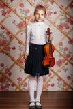Pełny długość portret mała skrzypaczka zdjęcie royalty free