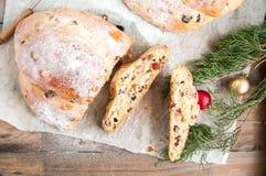 Pełny pikantność suszy owoc i dokrętka cukierki chleb Fotografia Stock