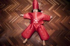 Pełny strzał dziewczyna w dennej gwiazdy kostiumu Obraz Stock
