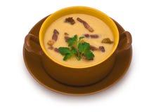 Pea Cream Soup mit gegrilltem Speck Stockbilder