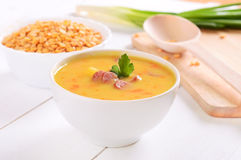 Pea soup in a white bowl Royalty Free Stock Photos
