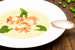 Pea soup wit shrimps Royalty Free Stock Image