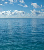 The peaceful calm ocean Royalty Free Stock Photos