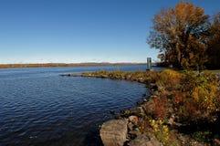 Peaceful lake under blue sky. Royalty Free Stock Photos