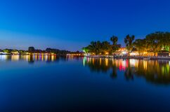 Free Peaceful Reflection Of The Evening Blue Hour In Shichahai Lake In Beijing Royalty Free Stock Images - 183559419