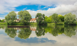 Peacefull flod Arkivfoto