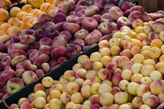 Peach and other fruits in the market Royalty Free Stock Images