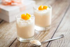 Peach souffle-mousse in glasses Royalty Free Stock Photography