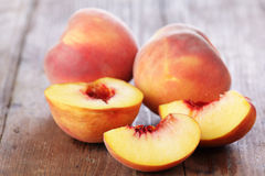 Free Peaches Royalty Free Stock Images - 11282959
