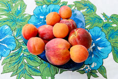 Peaches and apricots Stock Photography
