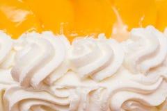 Peaches Whip Cream Cake Foto de archivo libre de regalías