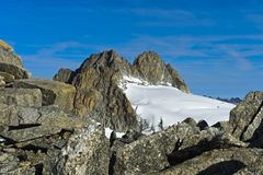 Peak Aiguille du Tour που αυξάνεται επάνω από τον παγετώνα Plateau du Trient Στοκ εικόνα με δικαίωμα ελεύθερης χρήσης