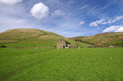 Peak District view with a barn Royalty Free Stock Photography
