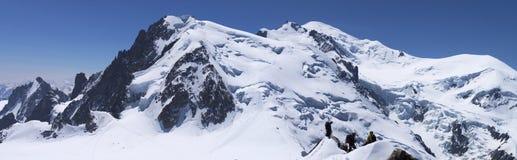 Peaks of Mont-Blanc massive Royalty Free Stock Photos