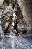 Peaople che fa un'escursione in canyon della città nascosto Saklikent Fotografie Stock Libere da Diritti