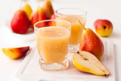 Pear juice and fresh pears Royalty Free Stock Images