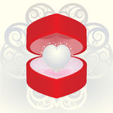 Pearl heart in a gift Royalty Free Stock Photos