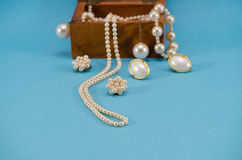 Pearl Jewelry Necklace Retro Wooden Box Blue Royalty Free Stock Photos