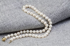 Free Pearl Necklace Royalty Free Stock Photos - 48550418