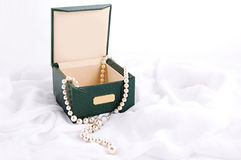 Pearl necklace in box Royalty Free Stock Photography
