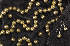 Pearl necklace velvet Royalty Free Stock Photography