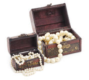 Pearls in jewelry box. Royalty Free Stock Photos