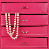 Pearls in jewlry box Stock Photography