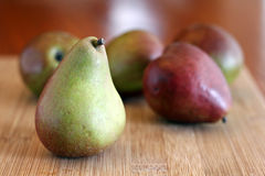 Pears on Cutting Board Royalty Free Stock Photography