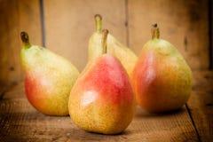 pears table trä Arkivfoto