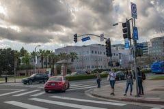 Peatones en el área de Westwood de Los Ángeles Imagen de archivo