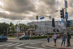 Peatones en el área de Westwood de Los Ángeles Foto de archivo libre de regalías