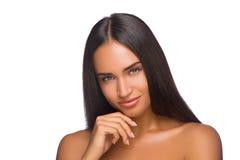 Peau expertising de jeune belle femme sur son visage Photographie stock libre de droits