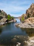 Peavine slinga Watson Lake i granitdellsna av prescotten, Arizona Arkivfoto