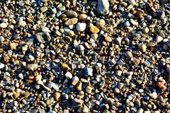 Pebble Beach auf dem Fluss lizenzfreies stockbild