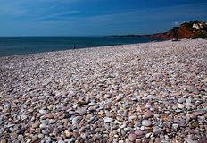 Pebble Beach bei Sidmouth in Devon lizenzfreie stockbilder